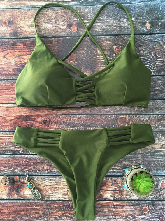 The pure color green chest and back hollow two piece bikini bottom side hollow green swimsuit