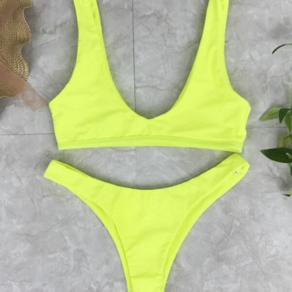 Simple low chest vest type yellow two piece bikini